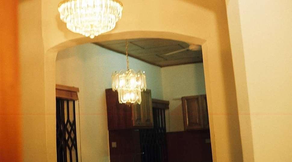 chandelier[1].jpg